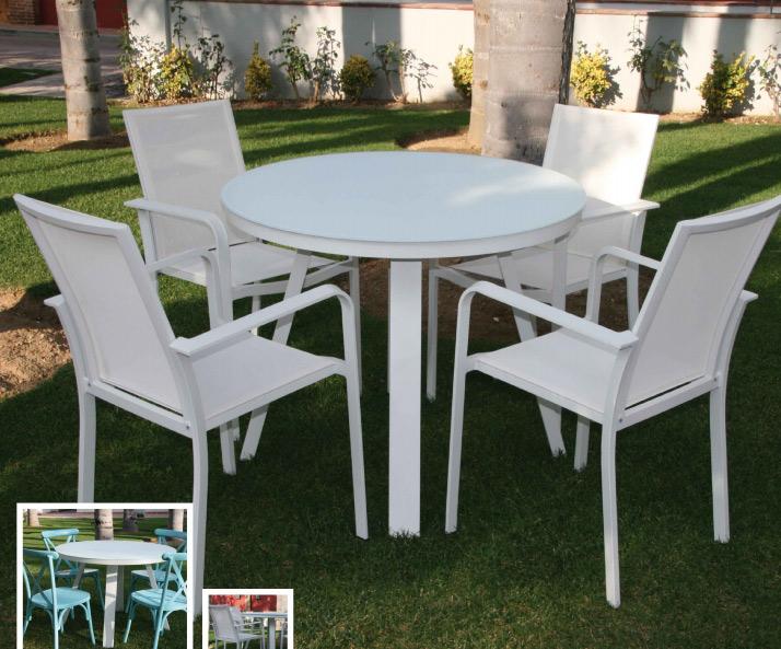 Set de mesa de exterior con sillas sena for Mesa comedor exterior