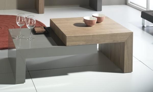 Mesa de sal n de madera escalonada mesas bajas de sal n for Mesas bajas de salon