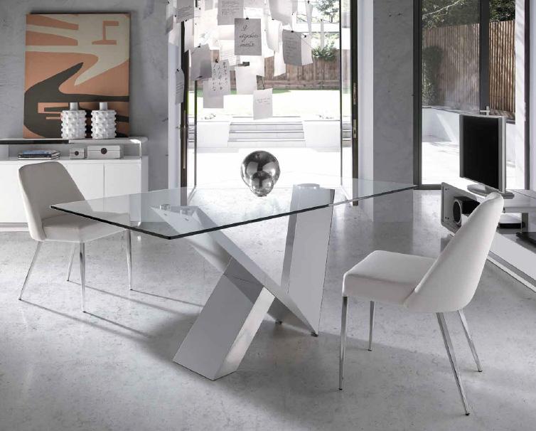 Mesa de comedor fija cristal transparente for Mesas de comedor de vidrio modernas