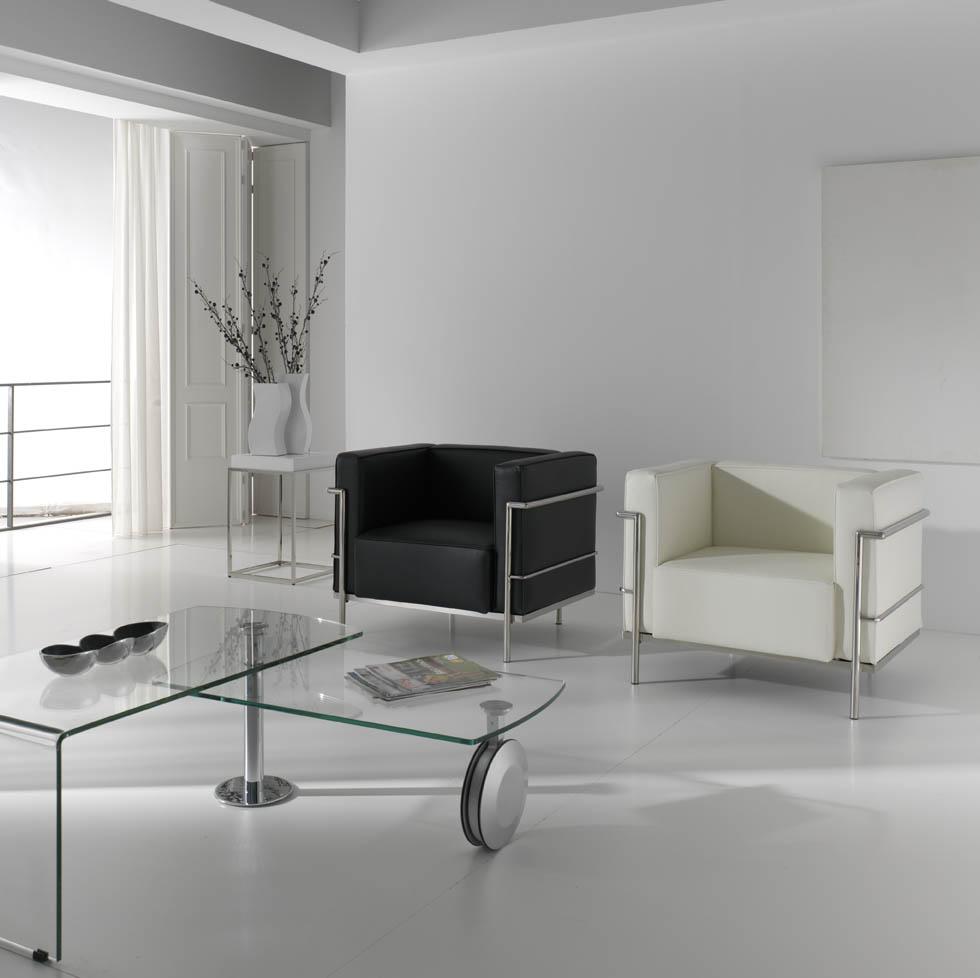 Mesa baja de sal n de cristal con ruedas mesas bajas de for Mesa salon cristal