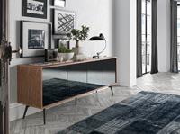 Aparador Urban Deco de madera 1403 - Aparador de madera chapada en nogal y puertas con frontales de espejo gris