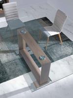 Mesa de comedor con tope de cristal DT309 - Mesa de comedor con tope de cristal DT309 con base de madera chapada en nogal