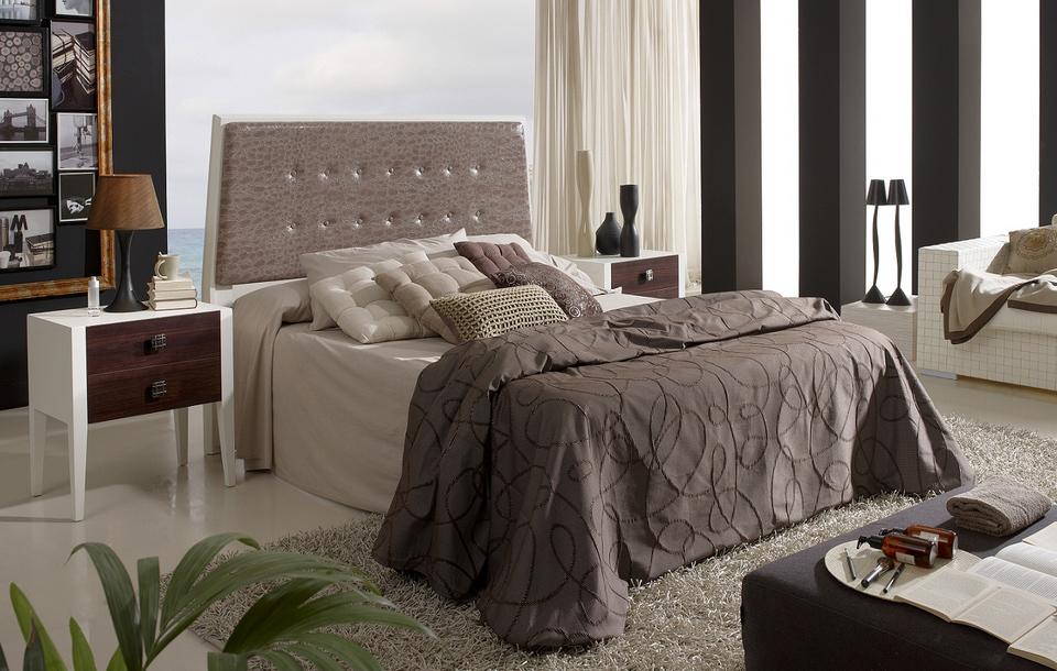 Cama cabecero madera som61 cabeceros camas y mesillas for Cabezal cama acolchado