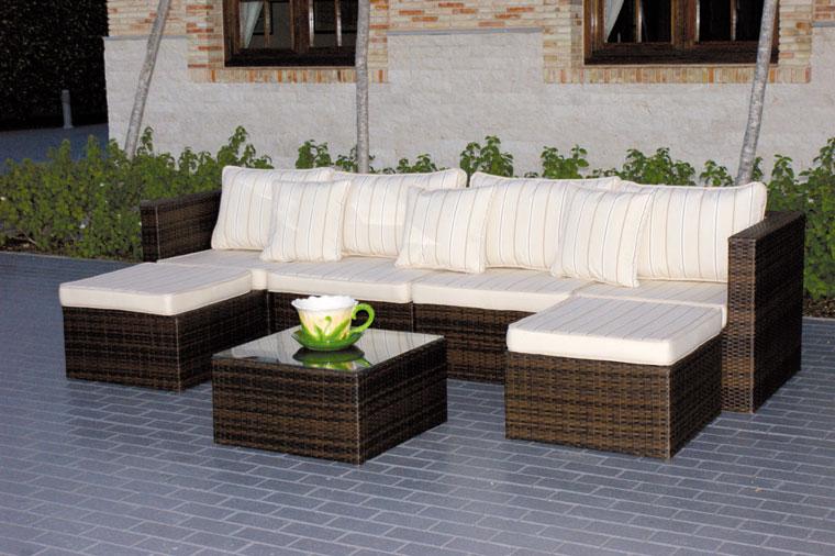 Set sof s sillones y mesa de centro para exteriores for Sofa exterior con almacenaje