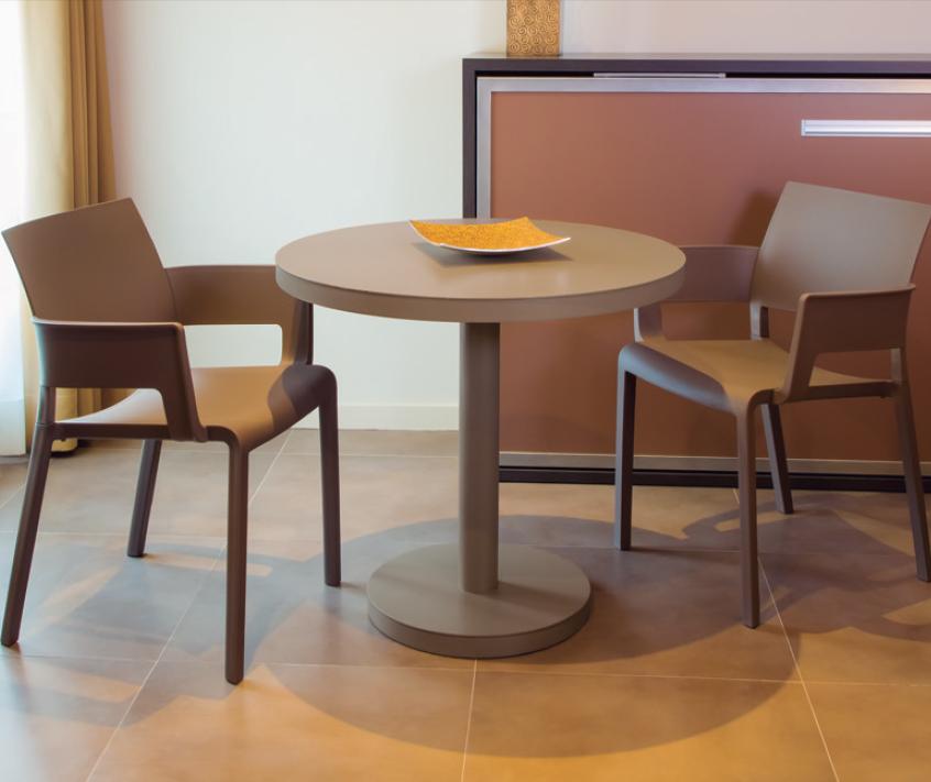 Mesa exterior interior moderna aluminio minimalista for Mesa exterior diseno