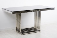 Mesa de comedor de acero inoxidable - Mesa de comedor con estructura de acero inoxidable y cristal.