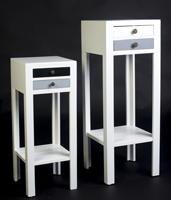 JUEGO DE PEDESTALES ESTILO VINTAGE  - JUEGO DE PEDESTALES ESTILO VINTAGE color blanco con cajones en madera de pino y MDF.