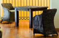 Set sillón y mesa de ratán modelo HIGAN