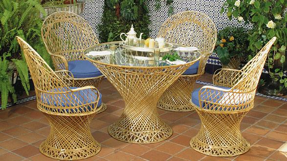 ACG- Set de mesa y 4 sillones fibra y poliester - Set de mesa y 4 sillones  Precios mostrados individualmente