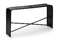 Consola de hierro negro