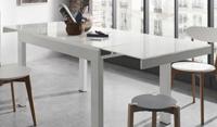 Mesa comedor extensible con sobre en cristal templado blanco puro -  Estructura de acero pintada en epoxy blanco. Disponible en 3 tama�os