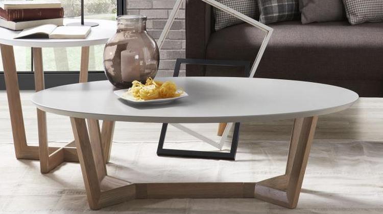 Mesa de centro ovalada madera for Limpiar madera lacada