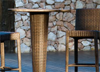 Set silla y mesa bar de fibra sintética modelo CENTAURUS