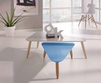 Juego de mesas nido triangular BEDA - Juego de mesas nido triangular BEDA, disponible en varios colores