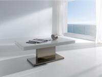 Mesa de centro elegante con tablero cuadriculado