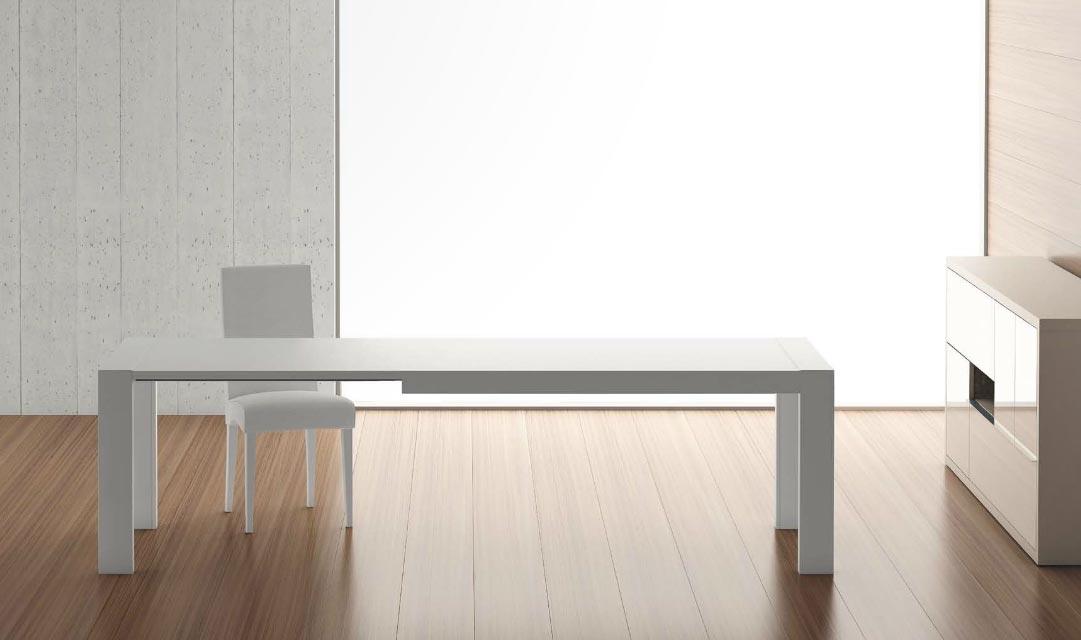 Mesa lacada blanca de comedor for Mesa redonda extensible blanca