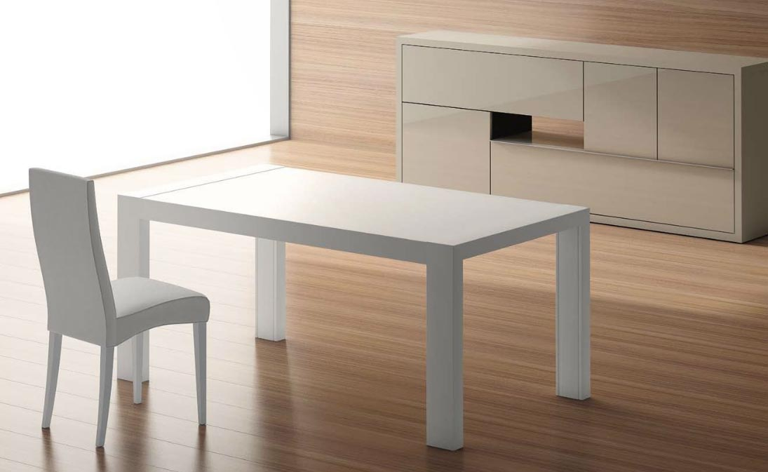 Mesa lacada blanca de comedor for Mesas de comedor blancas