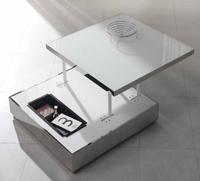 Mesa de centro de metal con luz y cristal