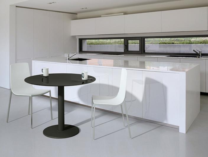 Mesa de cocina redonda cocina y office mesas altas for Mesa redonda cocina