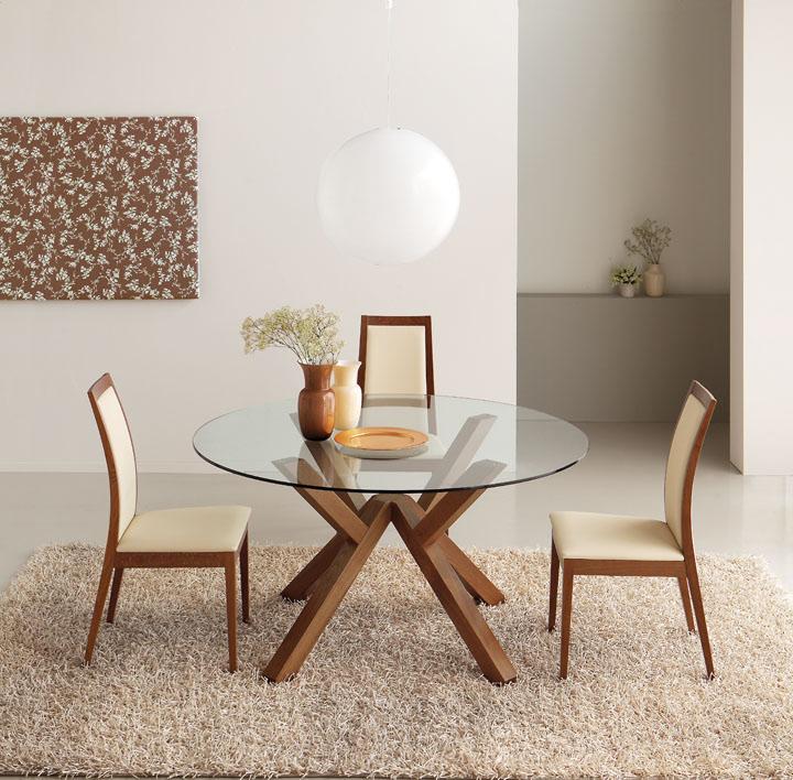 Mesa redonda de cristal y madera mikado mesas de comedor for Mesa de comedor cristal y madera