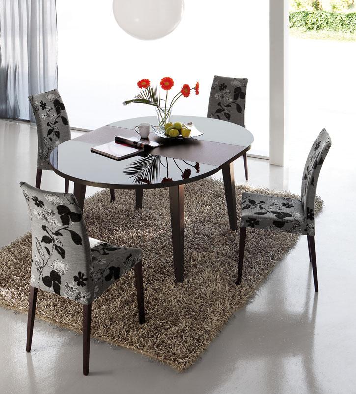 Mesa redonda extensible art una mesa de madera redonda for Mesa redonda extensible
