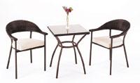 Mesa de ratán sintético cuadrada pequeña 60 cms y dos sillones Murano