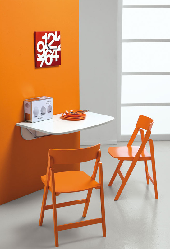 Mesa plegable colgante de pared pin cocina y office mesas for Mesa plegable de pared