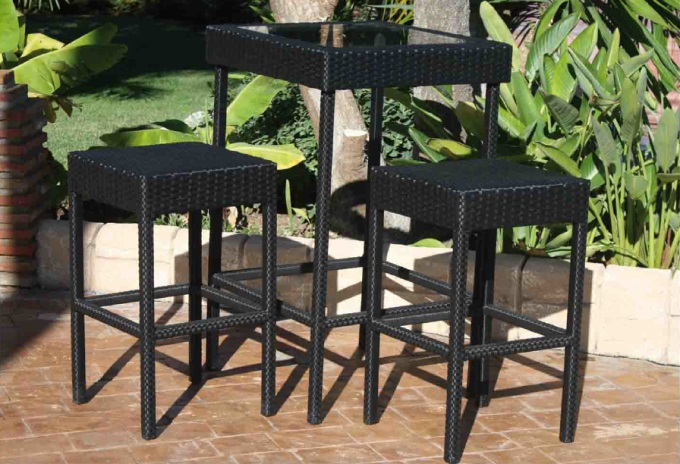 Mesa exterior con taburetes - Mesa alta con taburetes ...