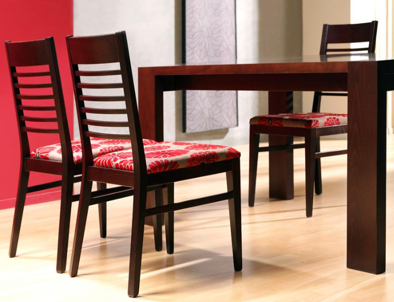 Sillas comedor asequibles for Telas para tapizar sillas comedor
