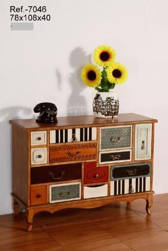 Mueble de madera bajo colorido - Mueble bicolor, se puede usar en el salón como un pequeño aparador o en el dormitorio como una gran cómoda.