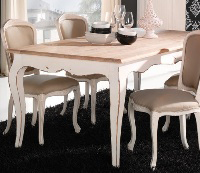 Silla tapizada blanca - Silla fabricada en madera de haya lacada en blanco roto y tapizada en tela cruda.