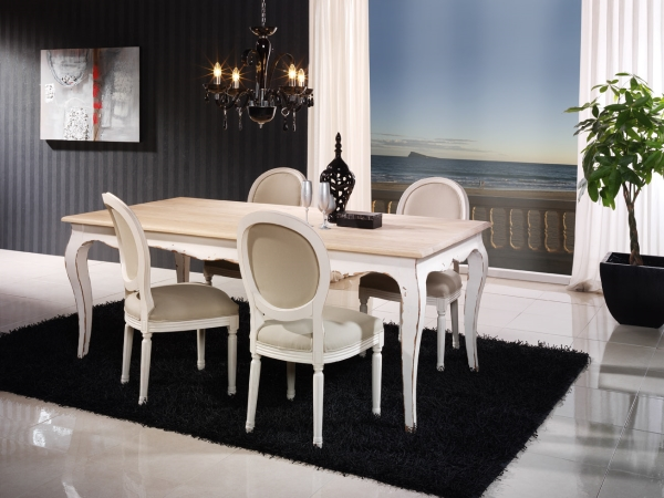 Silla tapizada blanca vintage for Sillas comedor clasicas