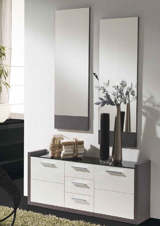 recibidor con espejos amplio recibidor con juego de espejos