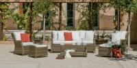 Conjunto de sofá de ratán para exterior 3 - Conjunto de distintas piezas de sillones para un ambiente exterior.