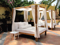 Cama Balinesa CB150 - Set de cama balinesa en estructura de madera CB150