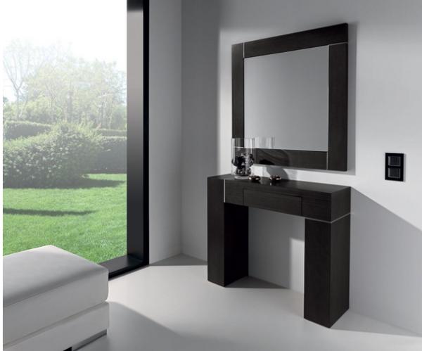 Consola con espejo grande for Espejos de suelo