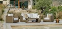 Conjunto de sillones de ratan para exterior - Conjunto compuesto por dos sillones, 1 sofá de 3 plazas, 1 mesa de centro y cojines. Precios individuales.