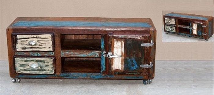 Mueble para tv en madera de mango mia home for Muebles para tv con ruedas