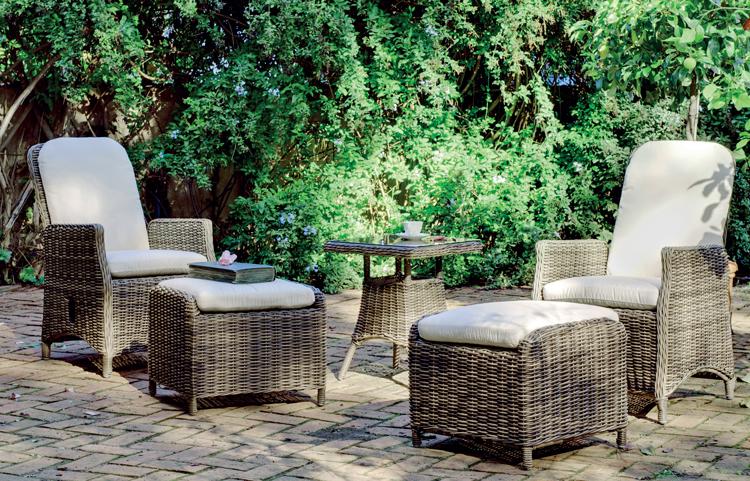 Mia home set mesa auxiliar y sillones para exteriores for Sillones para exteriores precios