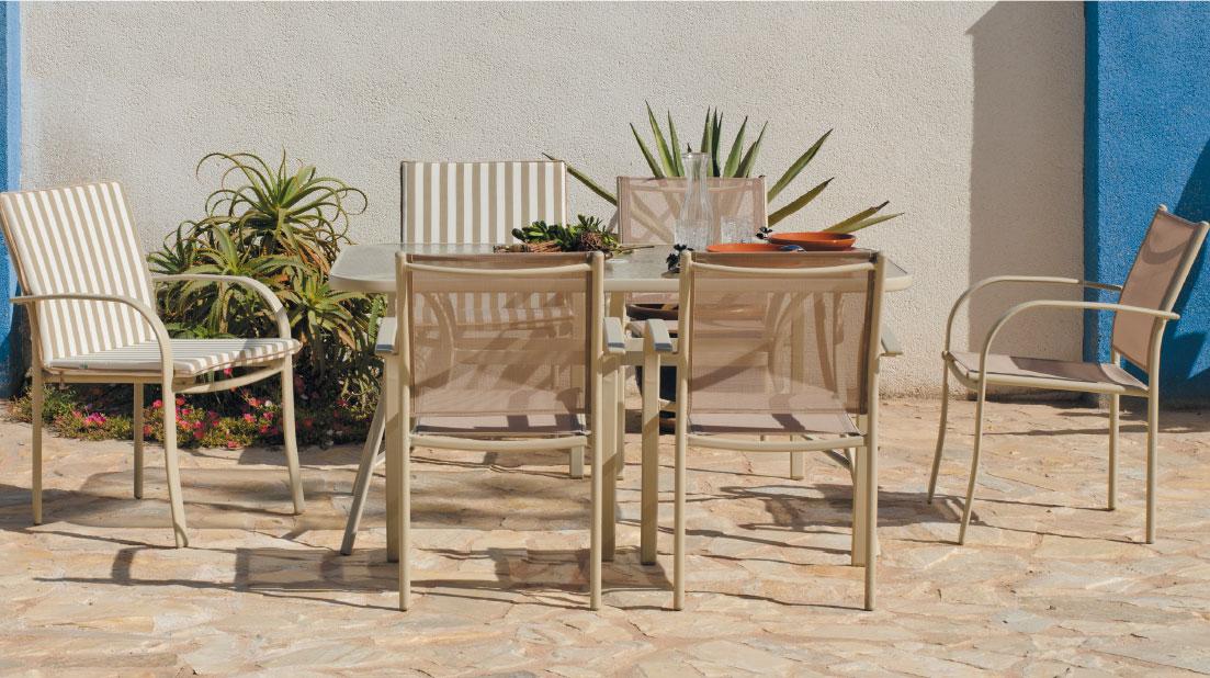 Set sillas y mesa modelo Castilla 150 - Juego de mesa desmontable de acero con cristal templado modelo castilla