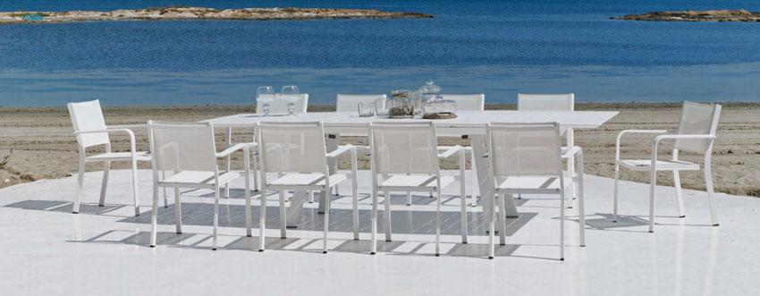 Set mesa de comedor para exteriores Eskada - Mesa de comedor con resistencia garantizada y acabado de lujo Eskada