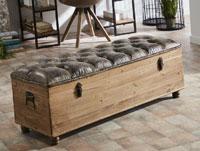 Pie de cama - Arcon - Pie de cama - Arcon,  tapizado con tela desgastada