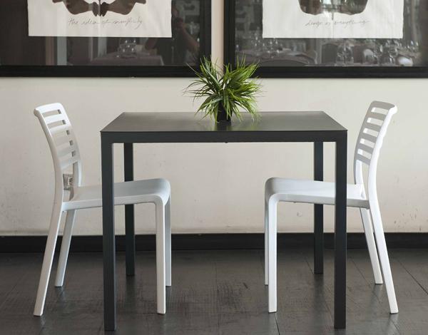 Mesa interior exterior de diseño minimalista - Mesa de aluminio minimalista