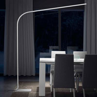 Lámpara con luz led - Lámpara de pie. Luz LED, Estructura metálica