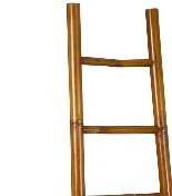 Escalera de bambú - Escalera de bambú en madera y blanco