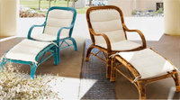 Sillón con reposapiés de rattan - Disponible en tres colores