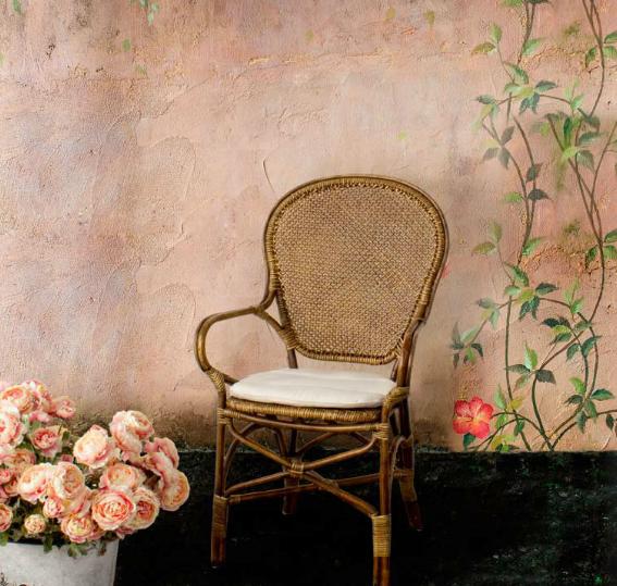 Silla con estructura de Rattan y cojín - Acabado con pintura de melamina