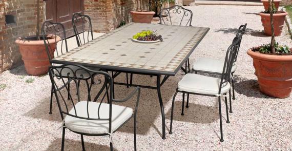 Comedor con mesas de mosaico cerámica 2 - Estructura de hierro