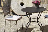 Comedor con estructura de hierro para jardín 2 - Mesa en forma cuadrada y redonda