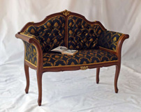 Silla y canapé con respaldo capitoné - Estilo clásico, tapizado con botones
